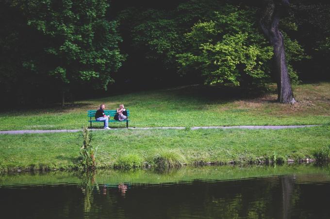 bench-couple-love-people.jpg